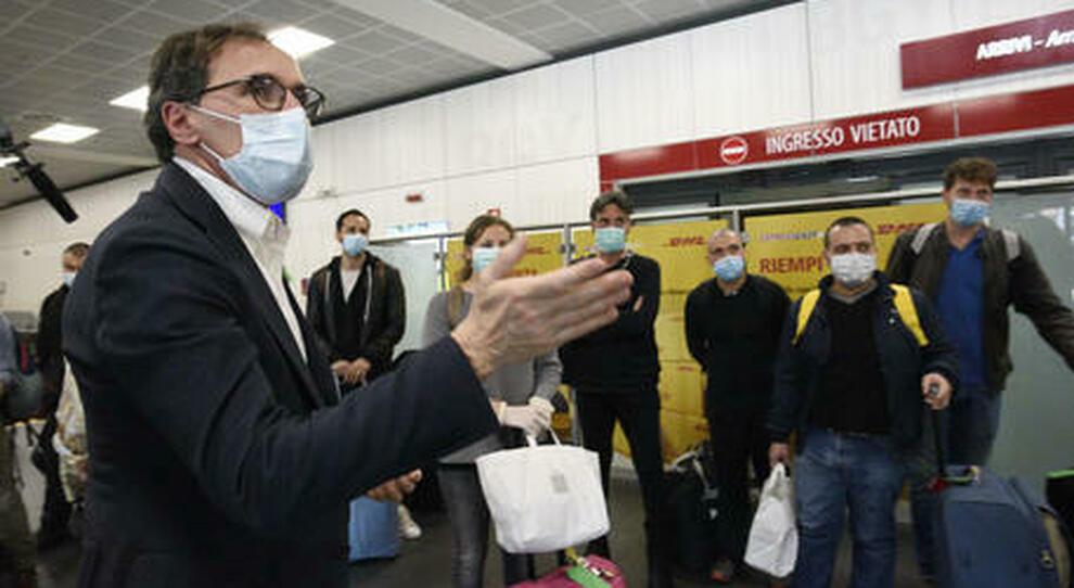 Covid, linea dura del governo: se la pandemia si aggrava via ai lockdown territoriali