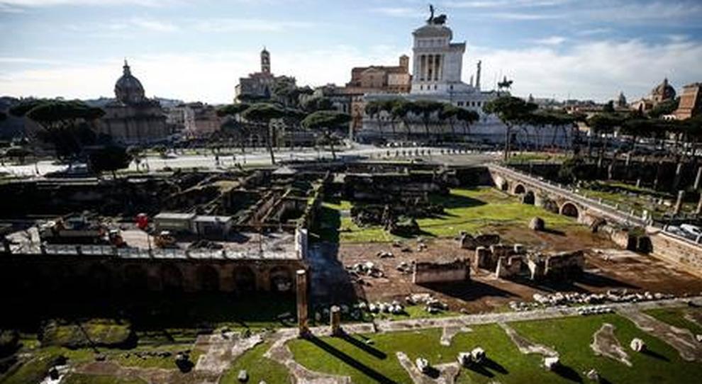 Roma, ai Fori spunta la testa del giovane Augusto