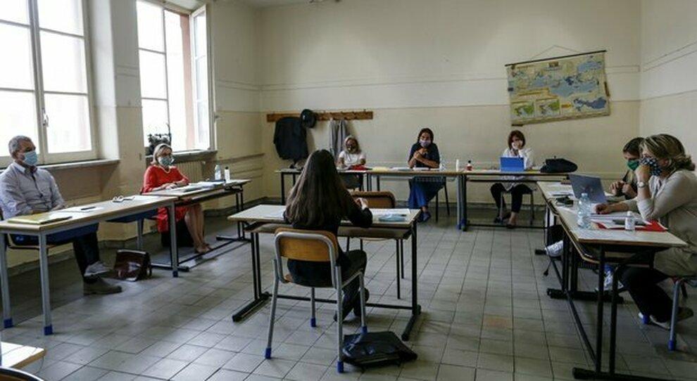 Insegnanti, un anno di prova prima del contratto a scuola: decisiva la valutazione sul campo