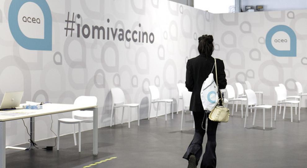 Vaccini Lazio, quando tocca agli under 30? Il calendario delle prenotazioni