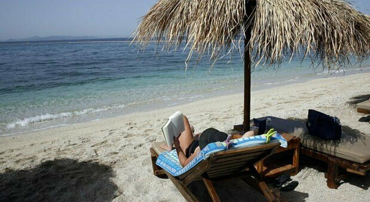 La spiaggia di un resort vicino Atene