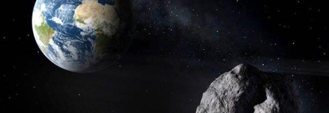 """Passaggio record, asteroide """"sfiora"""" la terra a 16.000 chilometri di distanza"""