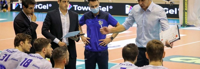 Kovac durante un time out della Top Volley