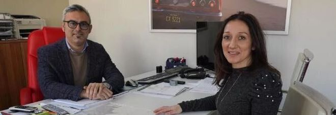 Dipendente precaria rimane incinta, il capo la assume a tempo indeterminato: «Sei troppo importante per l'azienda»