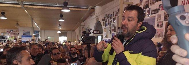 Salvini: Ong tedesca con migranti in arrivo, cambi direzione