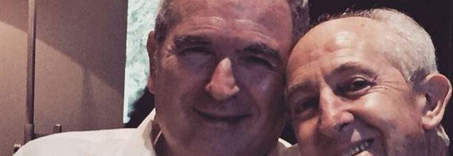 Lamberto Sposini su Instagram con il chirurgo che gli ha salvato la vita: «Gli devo molto»