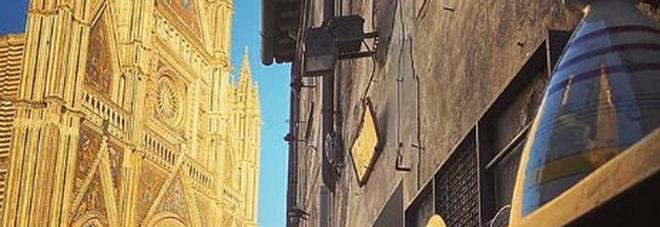 """Selvaggia Lucarelli consiglia Orvieto e la """"meravigliosa cattedrale"""" con un post su Instagram"""