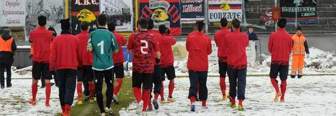 Calcio, rinviata L'Aquila-Pontedera Stadio Fattori innevato