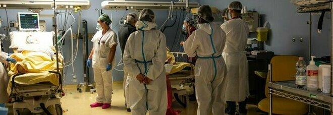 Terapie intensive occupate da malati Covid in calo, sono ai valori di metà febbraio scorso