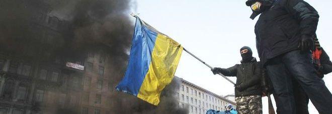 Kiev, manifestanti sulle barricate