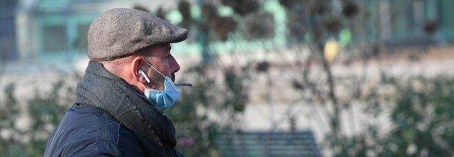 Milano smoke free: da oggi è vietato fumare in stadi e parchi. Dal 2025 sempre vietato all'aperto