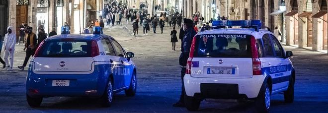 Perugia, due locali del centro non rispettano le norme anti Covid. Multa e rischio chiusura