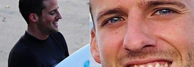 California, surfista viola il divieto e si tuffa mare: muore attaccato da uno squalo