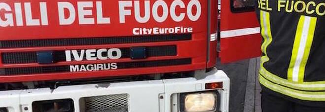 Rompe i tubi del gas e minaccia di far esplodere la casa: panico a Francavilla