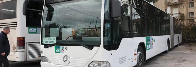 «Ti ammazzo», senegalese minaccia il controllore che gli chiede il biglietto dell'autobus