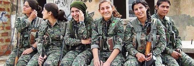 Turchia, alle donne curde che hanno combattuto l'Isis la solidarietà delle associazioni femminili italiane