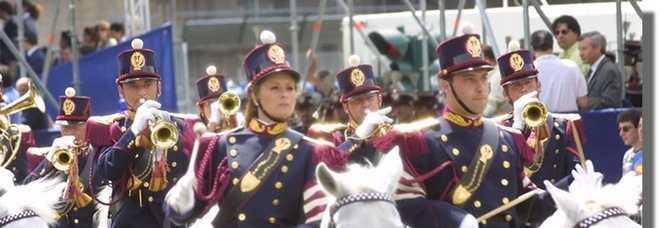 Risultati immagini per Fanfara a Cavallo della Polizia di Stato