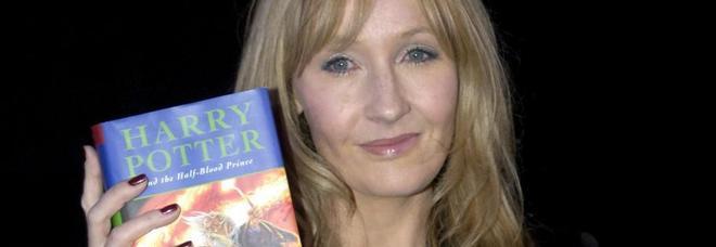 """J.K. Rowling, la """"mamma"""" di Harry Potter rivela di essere stata vittima di violenze sessuali e abusi domestici"""