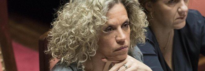 Monica Cirinnà, hater le augura un tumore. Lei risponde: «Conosco la paura di morire»