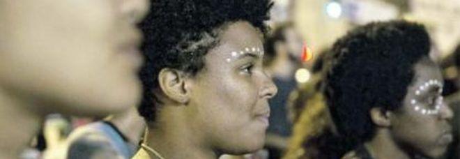 Negli Usa afro-americane discriminate due volte: vittime di razzismo e stereotipi