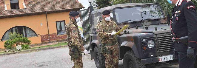 Bellosguardo presidiata da Esercito e Carabinieri: un altro anziano morto nella Rsa (Foto Giobbi)