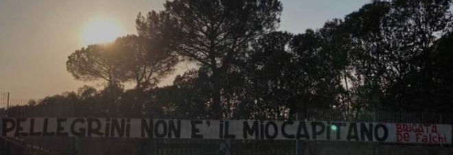 Roma, Pellegrini amico di Immobile e i tifosi protestano: «Non sei il nostro capitano»