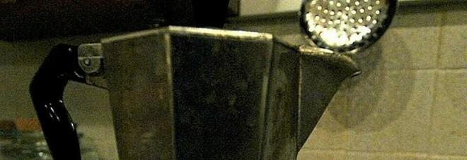 Lodi, bimbo di un anno si rovescia caffè bollente addosso: ha riportato ustioni di secondo grado