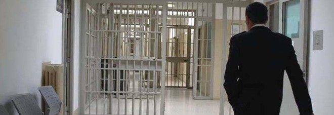 L'Aquila, pizzini al boss della mafia: arrestato agente della polizia penitenziaria