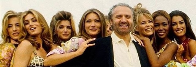 Gianni Versace con le top model_ Cindy Crawford official Instagram account