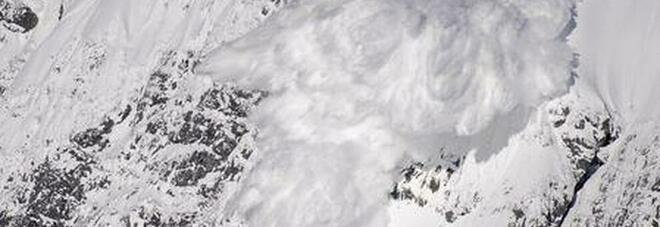 Due sciatori italiani travolti da una valanga: dispersi sul Monte Bianco