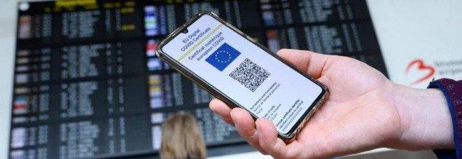 Green pass obbligatorio anche in Italia? Gli scenari possibili Video