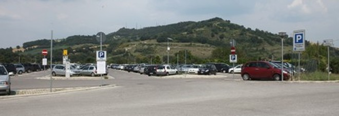 Il parcheggio della stazione ferroviaria di Orte