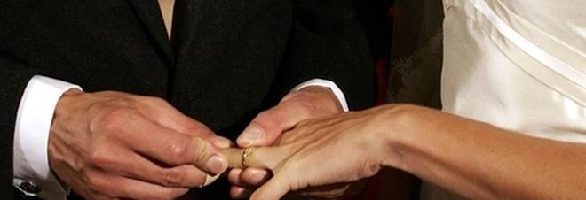 Lo sposo si sente male, il matrimonio si fa in ospedale