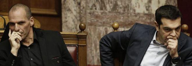 Grecia varoufakis attaca tsipras come il golpe dei for Come costruire un mazzo del secondo piano