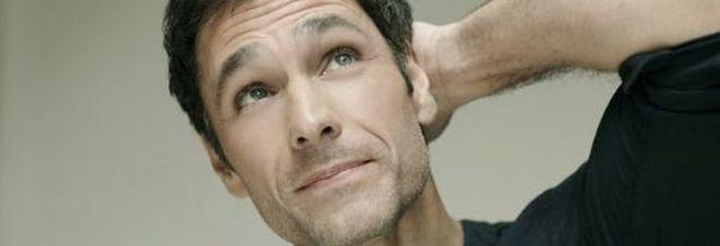 Raoul Bova, morto il papà Giuseppe: sospso il tour teatrale in giro per l'Italia