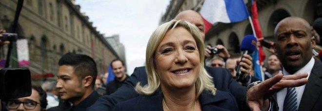 Francia, eletto il primo senatore del Front National: «Vittoria storica»