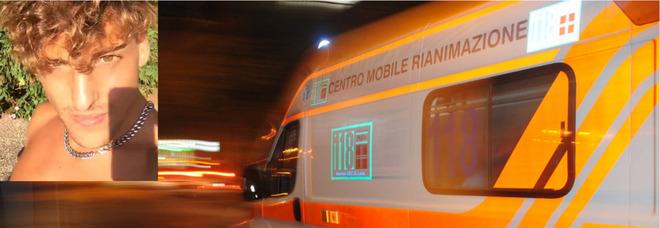 Incidente in Salento, scontro frontale fra due auto: morto un 27enne, feriti altri 5 ragazzi