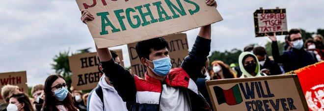 Afghanistan, Biden e Johnson convocano un G7: riunione virtuale settimana prossima