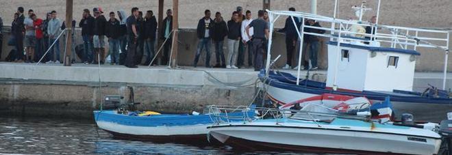 Migranti, 184 sbarcati a Lampedusa. Viminale: Malta scarica problemi su Italia
