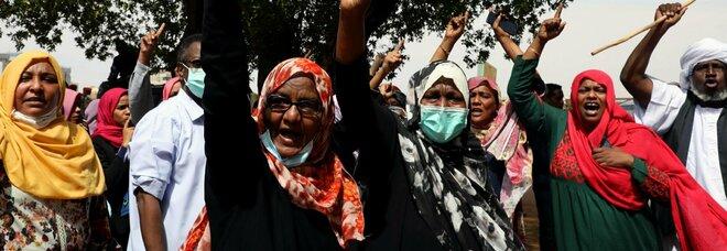 Sudan, cade la Sharia: i gay non rischiano più la morte, le donne indosseranno i pantaloni