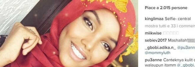La modella islamica velata lascia le sfilate, difficile conciliare la fede con la moda