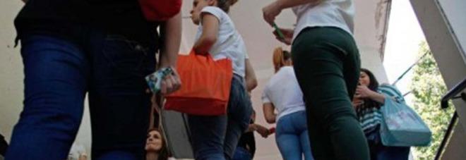 Roma molesta le alunne durante verifiche arrestato - Commissariato porta maggiore ...