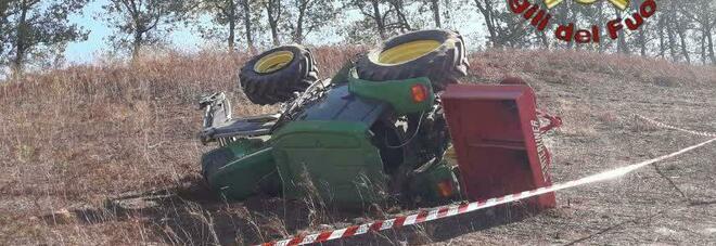 Il trattore sotto il quale è morto il contadino di 35 anni