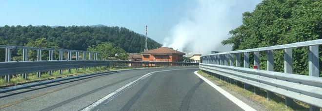 Segnalazioni all'Itelyum (ex Viscolube): «E' stata solo una fuoriuscita di vapore acqueo»