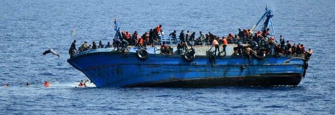 Migranti, arrestati in Tunisia 10 trafficanti di esseri umani: erano a capo dell'organizzazione