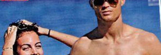 Cristiano Ronaldo al mare con Georgina: «Si sposeranno in Italia»