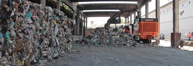Roma, smaltimento rifiuti, i carabinieri del Noe sequestrano altri documenti su Rocca Cencia