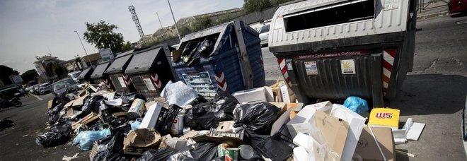 Tari Roma, boom di ricorsi contro la tassa sui rifiuti: «Vie sporche e miasmi: rimborsateci»
