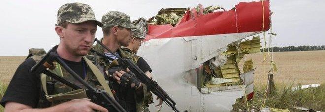 Obama: «L'aereo abbattuto da un missile lanciato dai filorussi»