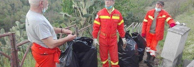 Civita Castellana, i volontari raccolgono quintali di rifiuti